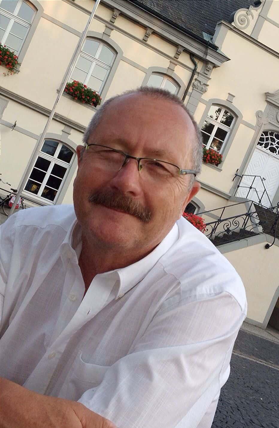 Als Zielgruppe Handwerksbetriebe fest im Blick: Der Lippstädter Steuerberater Helmut Steltemeier hat sich als Mittelstandsberater selbstständig gemacht.