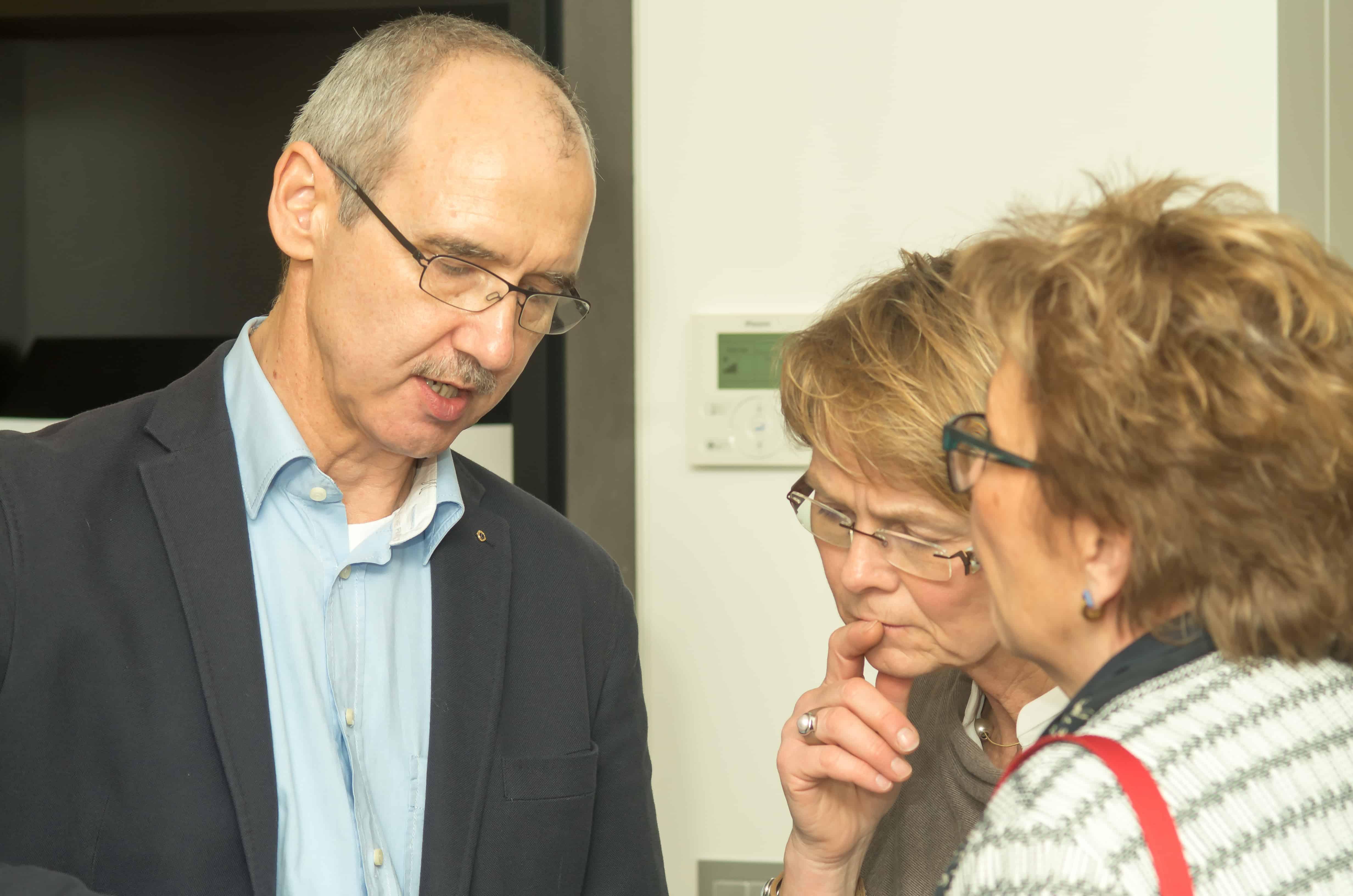 Martin Hammelbeck im Gespräch mit Kunden.