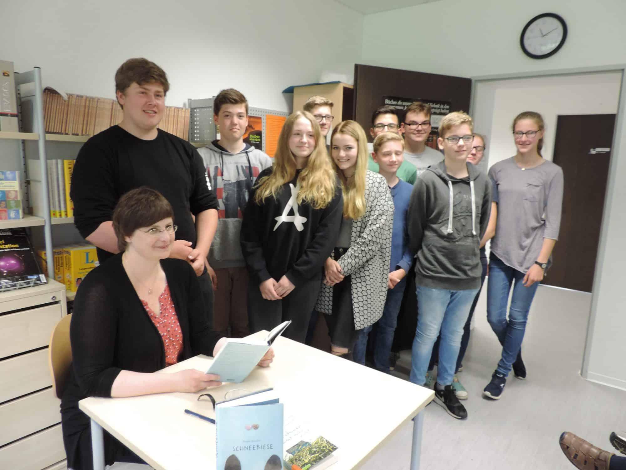 Die Bielefelder Autorin Susann Kreller zu Gast in der Gesamtschule Lippstadt. Foto: Sabine Hense-Ferch