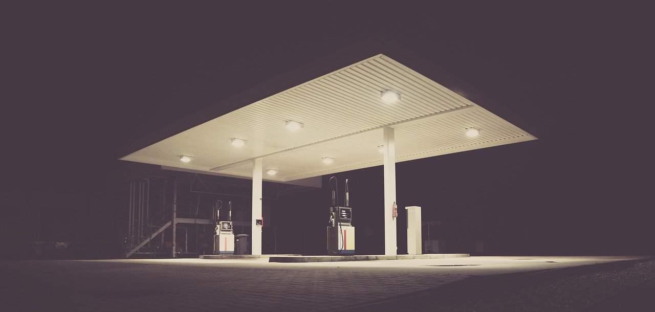 WHG Bau ist gefragter Partner beim Tankstellenbau. Foto: Pixabay